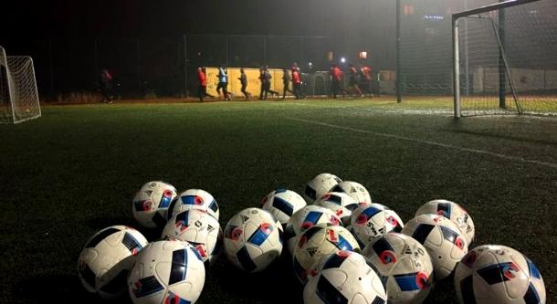 WAŻNE: Piłkarze wznawiają treningi